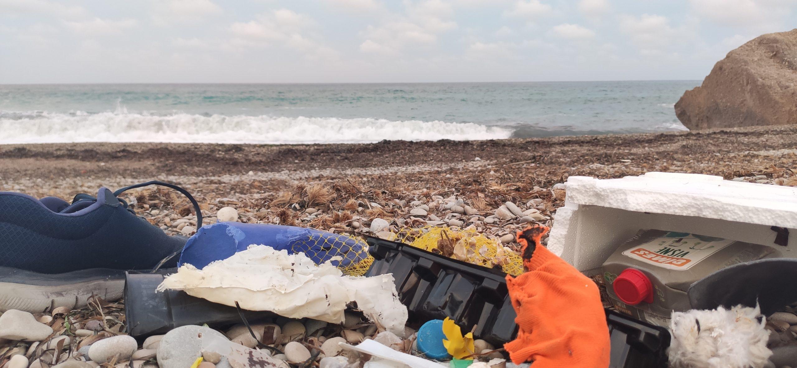 plastic waste beach5