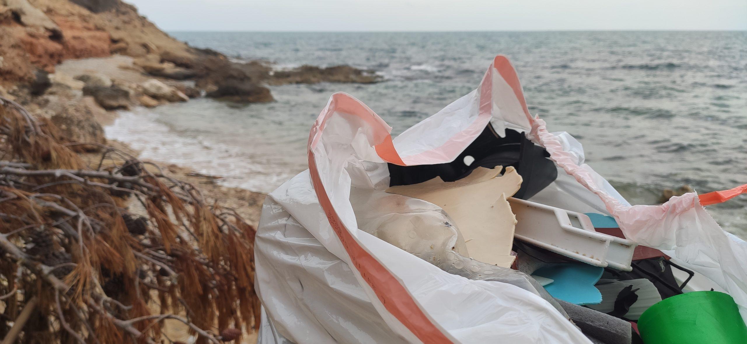 plastic waste beach7
